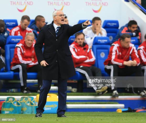 Leicester City manager Claudio Ranieri gestures on the touchline against Swansea City