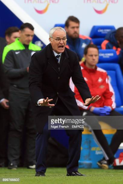 Leicester City manager Claudio Ranieri gestures on the touchline