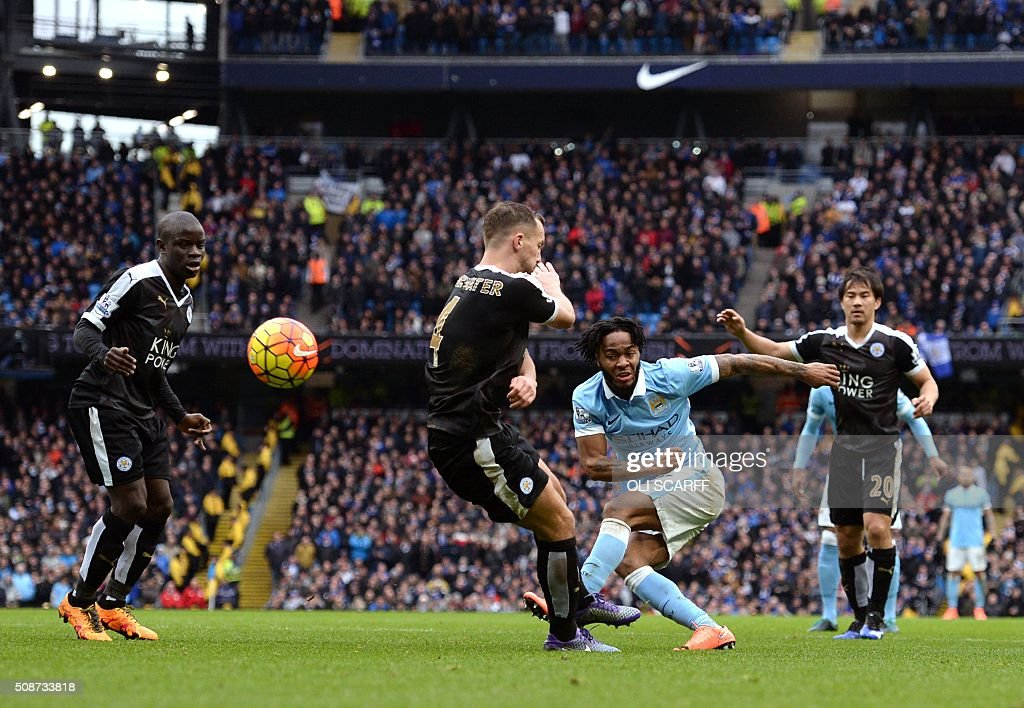 Leicester City's English midfielder Danny Drinkwater (2L) vies with Manchester City's English midfielder Raheem Sterling (2R) during the English Premier League football match between Manchester City and Leicester City at the Etihad Stadium in Manchester, north west England, on February 6, 2016. / AFP / OLI SCARFF / RESTRICTED TO EDITORIAL USE. No use with unauthorized audio, video, data, fixture lists, club/league logos or 'live' services. Online in-match use limited to 75 images, no video emulation. No use in betting, games or single club/league/player publications. /
