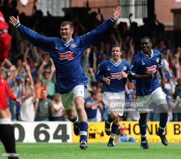 Leicester City's Ian Marshall celebrates after scoring his side's second goal against Manchester United during today's Carling Premiership match at...