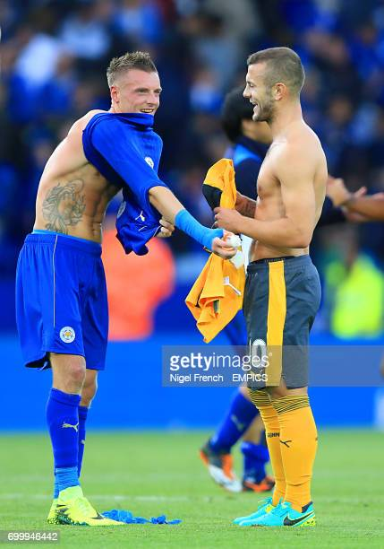 Leicester City's Jamie Vardy and Arsenal's Jack Wilshere swap shirts after the final whistle