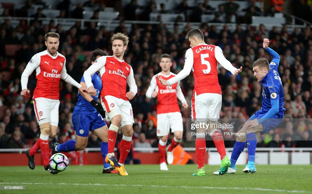 Arsenal v Leicester City - Premier League - Emirates Stadium : News Photo