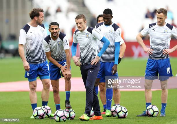 Leicester City's Jamie Vardy during prematch training with his teammates including Riyad Mahrez