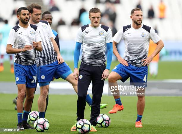 Leicester City's Jamie Vardy during prematch training with his teammates including Riyad Mahrez and Danny Drinkwater