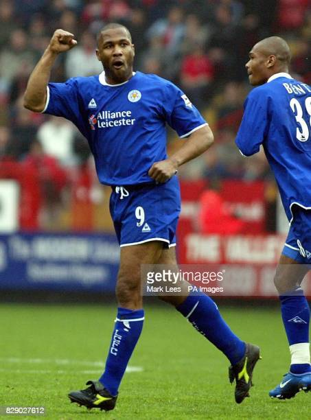 Leicester City's Les Ferdinand celebrates scoring his sides 2nd and the equalizing goal against Charlton Athletic during the Barclaycard Premiership...