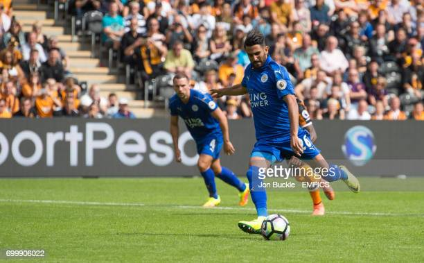 Leicester City's Riyad Mahrez scores from the penalty spot to equalise 11 after Demarai Gray wons a penalty after a foul from Hull City's Tom...