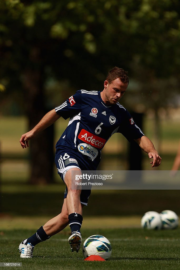 <a gi-track='captionPersonalityLinkClicked' href=/galleries/search?phrase=Leigh+Broxham&family=editorial&specificpeople=4103215 ng-click='$event.stopPropagation()'>Leigh Broxham</a> passes the ball during a Melbourne Victory A-League training session at Gosch's Paddock on November 20, 2012 in Melbourne, Australia.