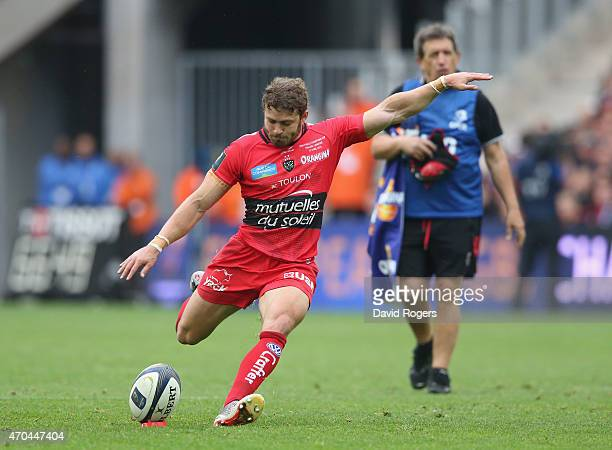 Leigh Halfpenny of Toulon kicks a penalty during the European Rugby Champions Cup semi final match between RC Toulon and Leinster at Stade Velodrome...