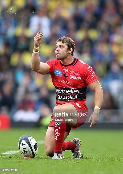 Leigh Halfpenny of Toulon lines up a kick on goal during the European Rugby Champions Cup Final match between ASM Clermont Auvergne and RC Toulon at...