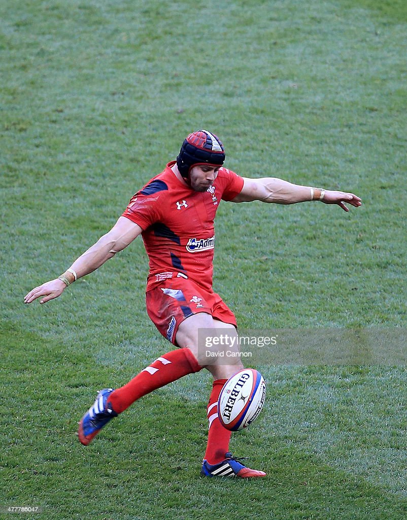 <a gi-track='captionPersonalityLinkClicked' href=/galleries/search?phrase=Leigh+Halfpenny&family=editorial&specificpeople=4232760 ng-click='$event.stopPropagation()'>Leigh Halfpenny</a> of Wales during the RBS Six Nations match between England and Wales at Twickenham Stadium on March 9, 2014 in London, England.