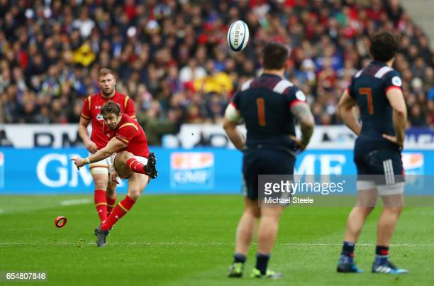 Leigh Halfpenny of Wales kicks a peanlty to give his team a 1210 lead during the RBS Six Nations match between France and Wales at the Stade de...