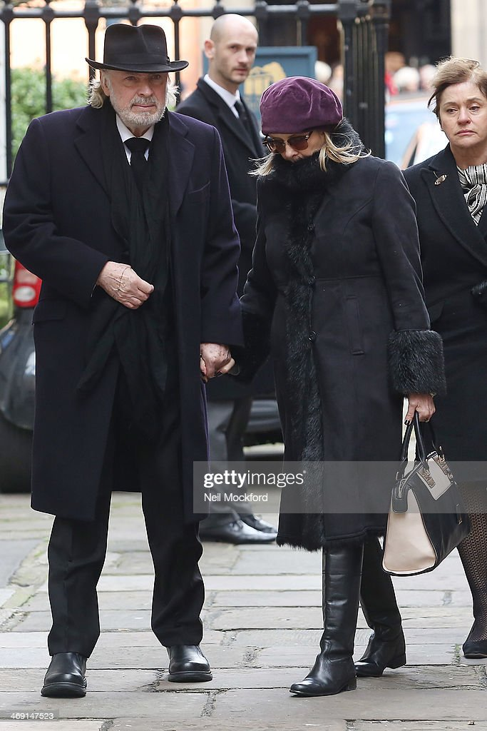 Leigh Lawson and Twiggy attend the funeral of Roger Lloyd-Pack at St Paul's Church in Covent Garden on February 13, 2014 in London, England.