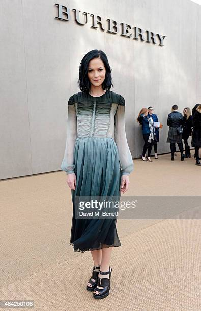 Leigh Lezark arrives at the Burberry Prorsum AW 2015 during London Fashion Week at Kensington Gardens on February 23 2015 in London England