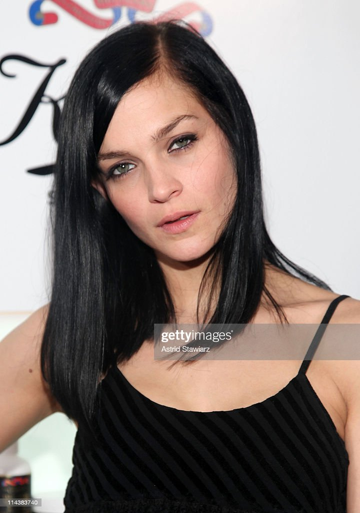 Leigh Lezark attends Kiehl's 160th anniversary celebration at Kiehl's Flagship Store on May 18, 2011 in New York City.