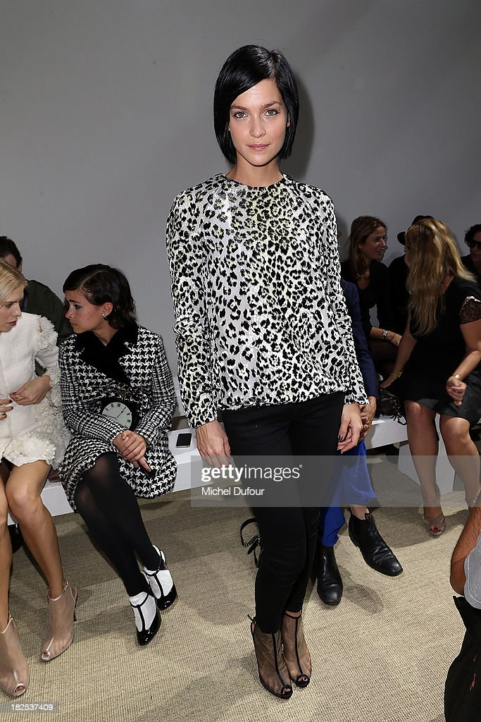 <a gi-track='captionPersonalityLinkClicked' href=/galleries/search?phrase=Leigh+Lezark&family=editorial&specificpeople=618872 ng-click='$event.stopPropagation()'>Leigh Lezark</a> attends the Giambattista Valli show as part of the Paris Fashion Week Womenswear Spring/Summer 2014 on September 30, 2013 in Paris, France.
