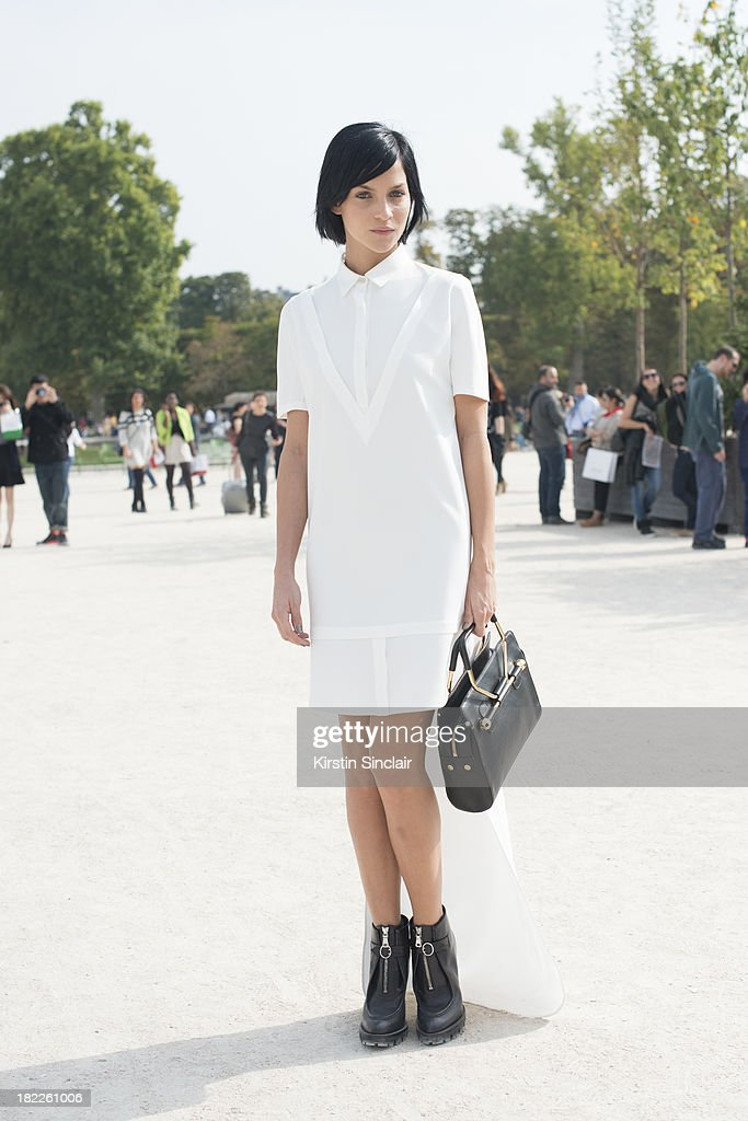 DJ <a gi-track='captionPersonalityLinkClicked' href=/galleries/search?phrase=Leigh+Lezark&family=editorial&specificpeople=618872 ng-click='$event.stopPropagation()'>Leigh Lezark</a> wears Viktor and Rolf on day 5 of Paris Fashion Week Spring/Summer 2014, Paris September 28, 2013 in Paris, France.