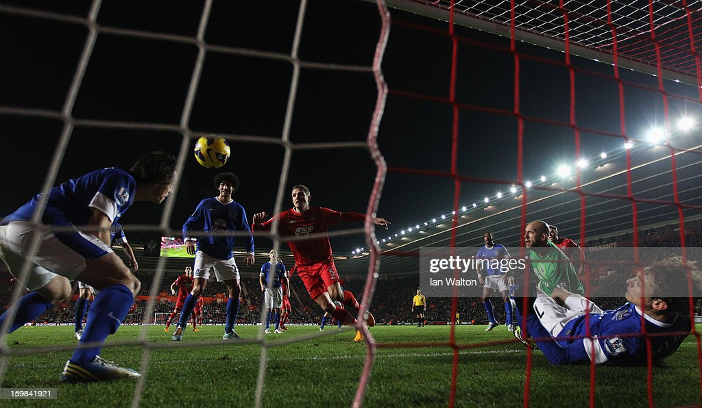 Leighton Baines (L) and Nikica Jelavic of Everton (R) combine to clear the ball away from their goal during the Barclays Premier League match between Southampton and Everton at St Mary's Stadium on January 21, 2013 in Southampton, England.
