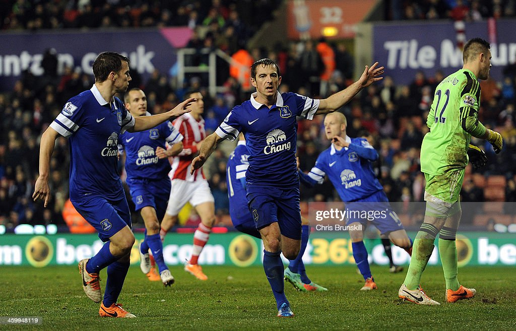 <a gi-track='captionPersonalityLinkClicked' href=/galleries/search?phrase=Leighton+Baines&family=editorial&specificpeople=682452 ng-click='$event.stopPropagation()'>Leighton Baines</a> of Everton celebrates scoring the equaliser from the penalty spot during the Barclays Premier League match between Stoke City and Everton at Britannia Stadium on January 01, 2014 in Stoke on Trent, England.