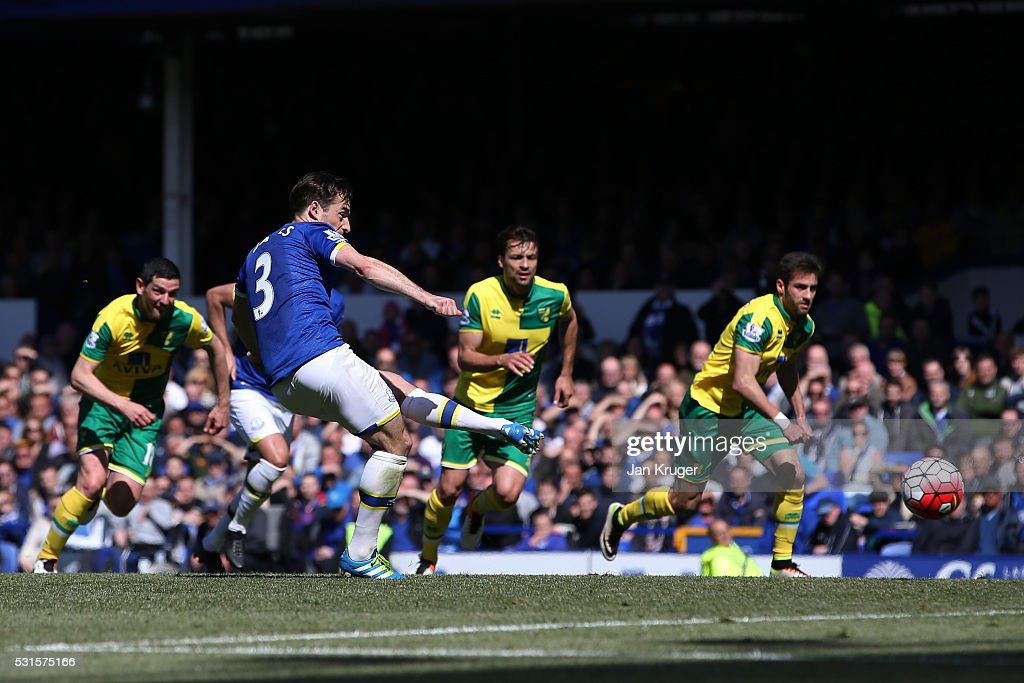 Leighton Baines of Everton converts the penalty to score his team's second goal during the Barclays Premier League match between Everton and Norwich City at Goodison Park on May 15, 2016 in Liverpool, England.