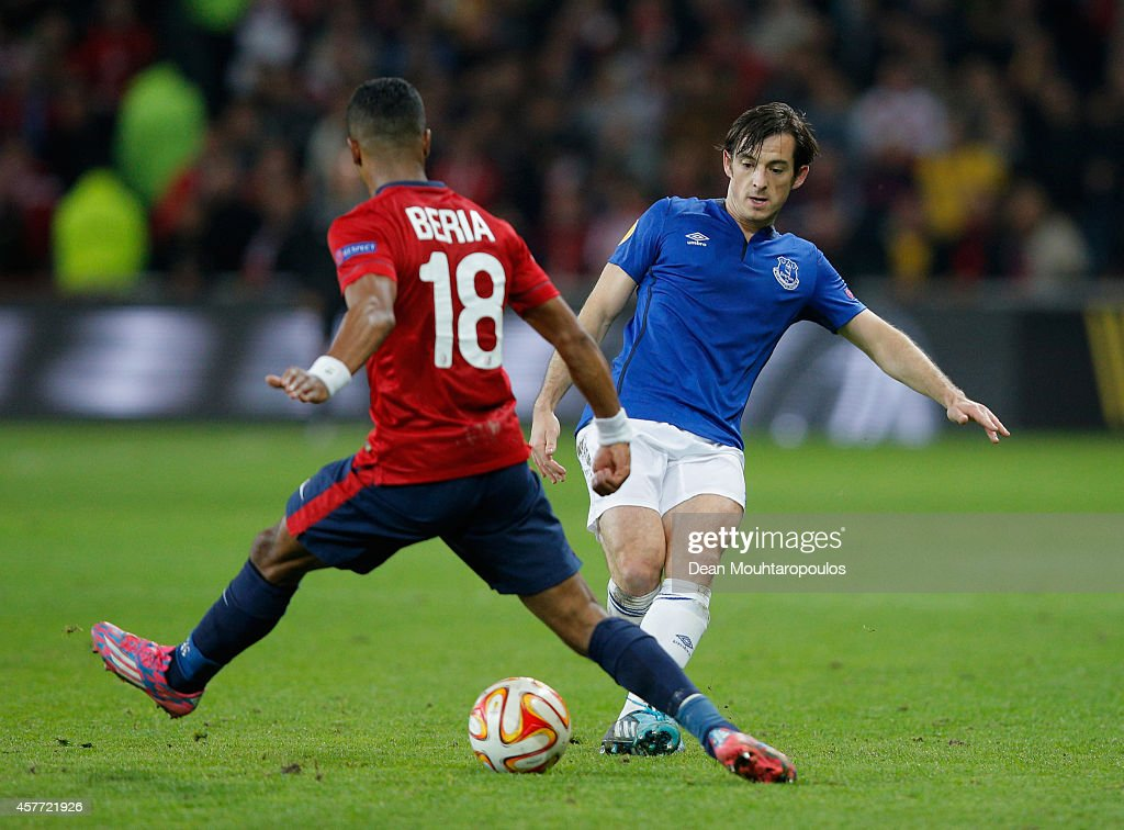 <a gi-track='captionPersonalityLinkClicked' href=/galleries/search?phrase=Leighton+Baines&family=editorial&specificpeople=682452 ng-click='$event.stopPropagation()'>Leighton Baines</a> of Everton is watched by Franck Beria of Lille during the UEFA Europa League Group H match between LOSC Lille and Everton at Grand Stade Lille Metropole on October 23, 2014 in Lille, France.