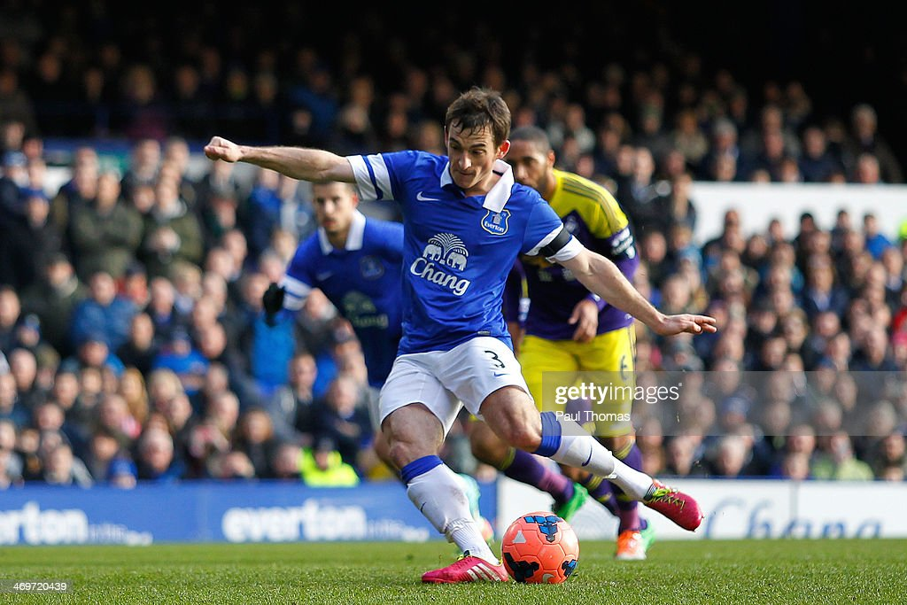 <a gi-track='captionPersonalityLinkClicked' href=/galleries/search?phrase=Leighton+Baines&family=editorial&specificpeople=682452 ng-click='$event.stopPropagation()'>Leighton Baines</a> of Everton scores a goal from the penalty spot during the FA Cup Fifth Round match between Everton and Swansea City at Goodison Park on February 16, 2014 in Liverpool, England.