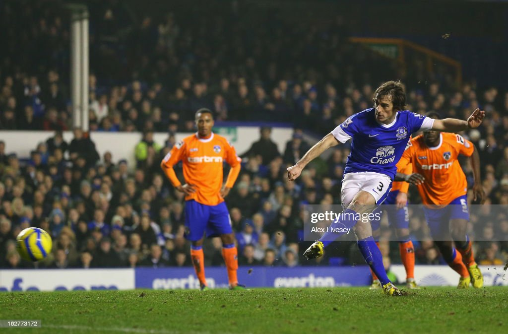 <a gi-track='captionPersonalityLinkClicked' href=/galleries/search?phrase=Leighton+Baines&family=editorial&specificpeople=682452 ng-click='$event.stopPropagation()'>Leighton Baines</a> of Everton scores the second goal from the penalty spot during the FA Cup fifth round replay match between Everton and Oldham Athletic at Goodison Park on February 26, 2013 in Liverpool, England.