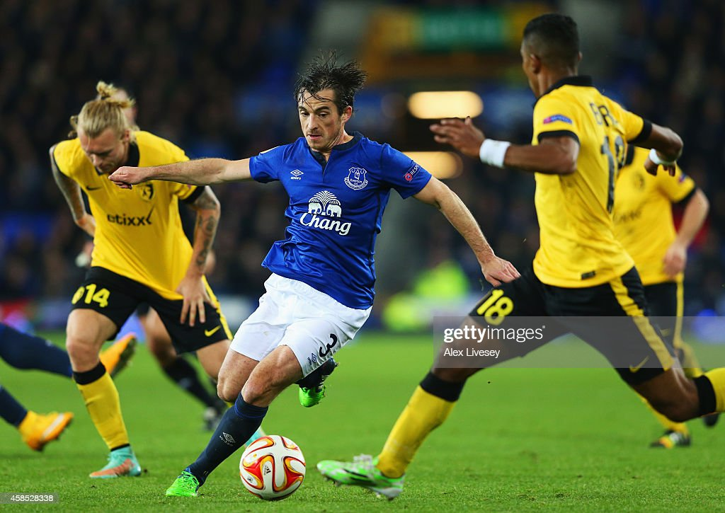<a gi-track='captionPersonalityLinkClicked' href=/galleries/search?phrase=Leighton+Baines&family=editorial&specificpeople=682452 ng-click='$event.stopPropagation()'>Leighton Baines</a> of Everton takes on Franck Beria (R) and <a gi-track='captionPersonalityLinkClicked' href=/galleries/search?phrase=Simon+Kjaer&family=editorial&specificpeople=4895333 ng-click='$event.stopPropagation()'>Simon Kjaer</a> of Lille (L) during the UEFA Europa League Group H match between Everton FC and LOSC Lille at Goodison Park on November 6, 2014 in Liverpool, United Kingdom.