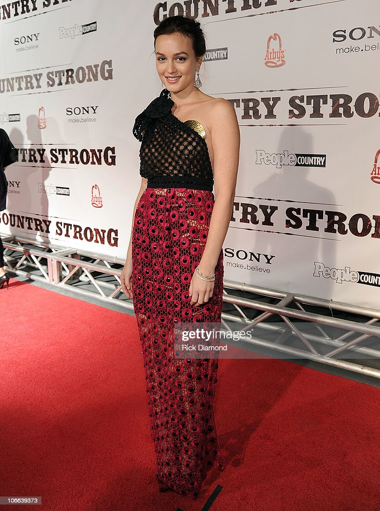 Leighton Meester attends the 'Country Strong' Premiere at Regal Green Hills on November 8, 2010 in Nashville, Tennessee.