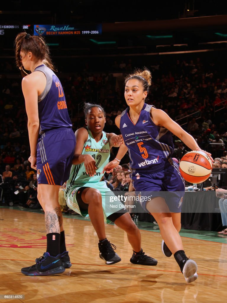 Leilani Mitchell #5 of the Phoenix Mercury handles the ball against the New York Liberty on June 4, 2017 at Madison Square Garden in New York, New York.