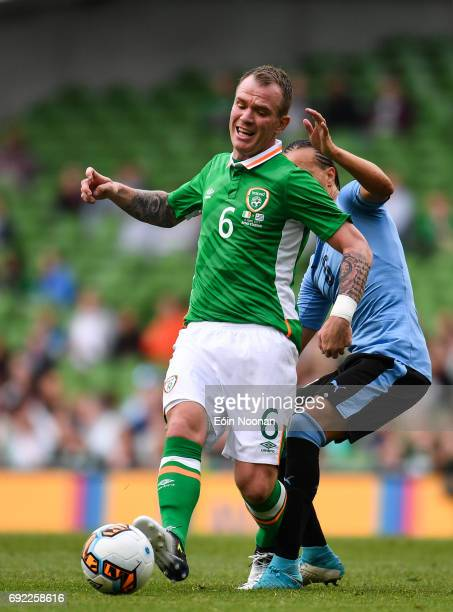 Leinster Ireland 4 May 2017 Glenn Whelan of Republic of Ireland in action against Diego Laxalt of Uruguay during the international friendly match...