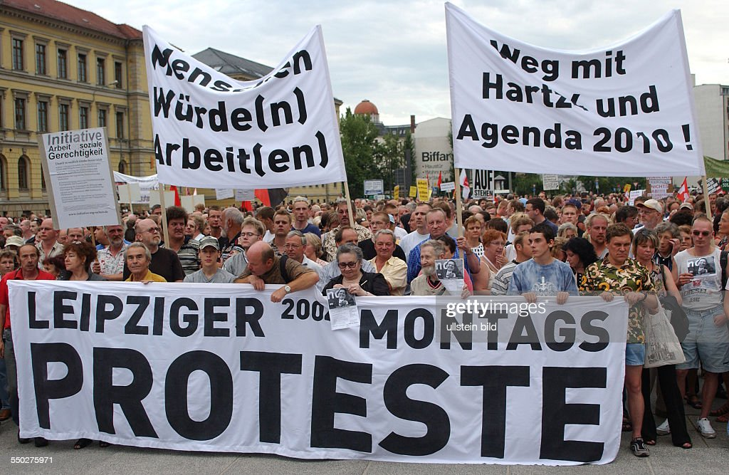 Leipziger MontagsProtestefo gegen die Arbeitsmarktreformen Hartz IV