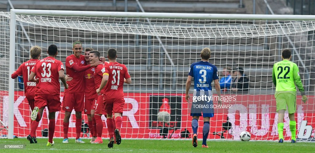 Leipzig's soccer team celebrates scoring during the German First division Bundesliga football match between Hertha Berlin and RB Leipzig in Berlin, Germany, on May 6, 2017. /