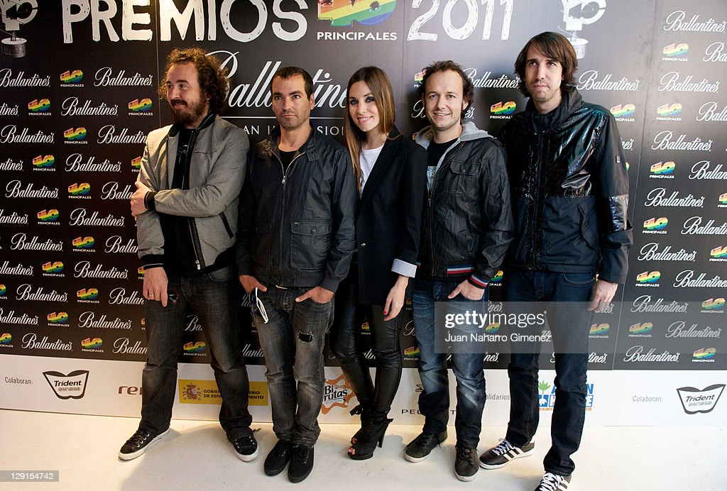 Leire Martinez (C) and band mates from the group 'La Oreja de Van Gogh' attend the candidates for 40 Principales Award 2011 Presentation at 40 Cafe on October 13, 2011 in Madrid, Spain.