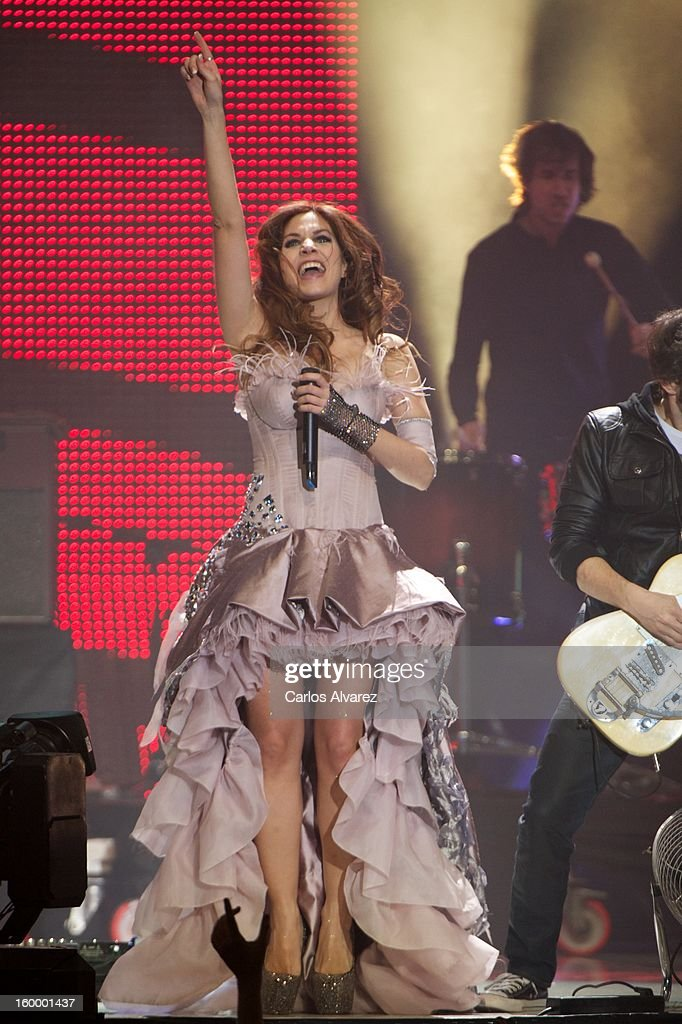 Leire of La Oreja de Van Gogh performs on stage during '40 Principales Awards' 2012 at Palacio de los Deportes on January 24, 2013 in Madrid, Spain.