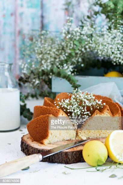 Lemon bundt cake with flowers
