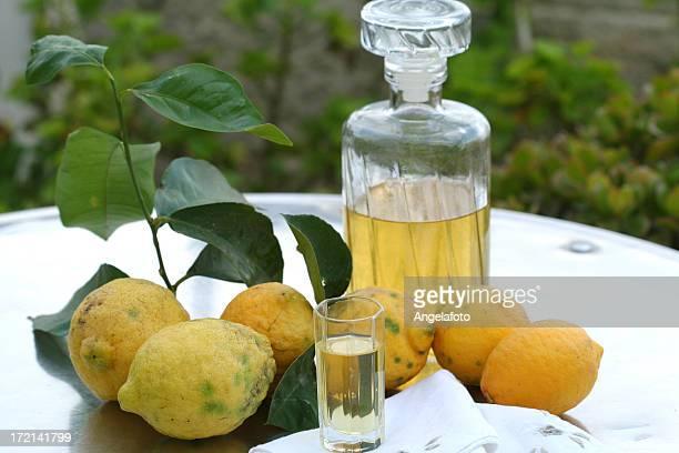 Bebida, lemoncello limón