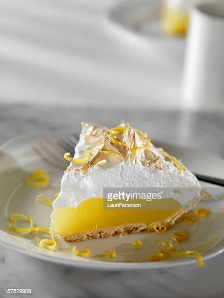 Tarte au citron meringuée avec café
