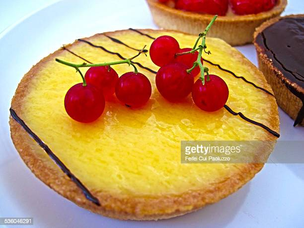 Lemon tart with redcurrants