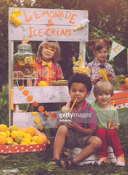 Lemonade stand and children