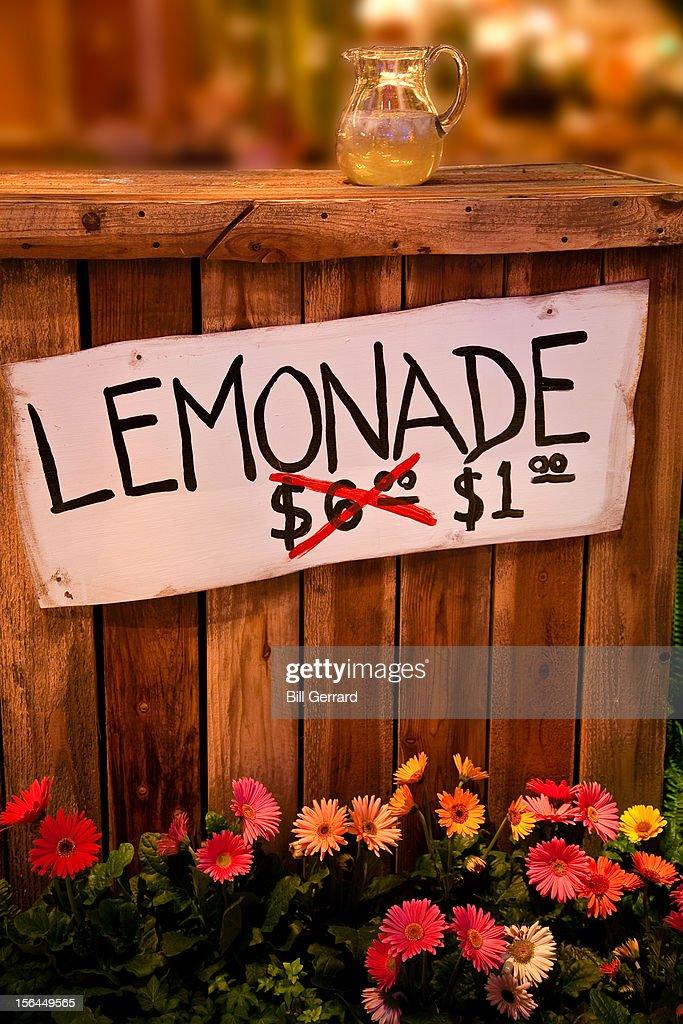 Lemonade Stand : Stock Photo