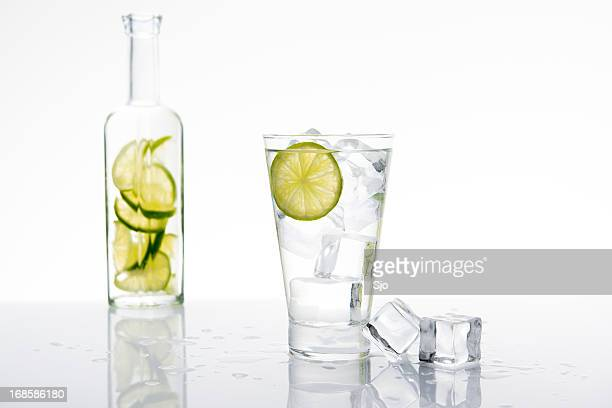 Lemonade with lime and ice