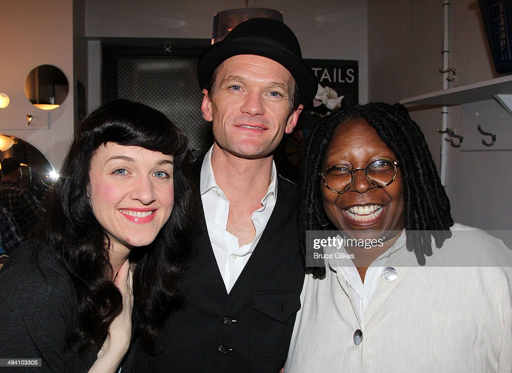 <a gi-track='captionPersonalityLinkClicked' href=/galleries/search?phrase=Lena+Hall&family=editorial&specificpeople=9446196 ng-click='$event.stopPropagation()'>Lena Hall</a>, <a gi-track='captionPersonalityLinkClicked' href=/galleries/search?phrase=Neil+Patrick+Harris&family=editorial&specificpeople=210509 ng-click='$event.stopPropagation()'>Neil Patrick Harris</a> and <a gi-track='captionPersonalityLinkClicked' href=/galleries/search?phrase=Whoopi+Goldberg&family=editorial&specificpeople=202463 ng-click='$event.stopPropagation()'>Whoopi Goldberg</a> pose backstage at 'Hedwig and The Angry Inch' on Broadway at The Belasco Theater on May 27, 2014 in New York City.