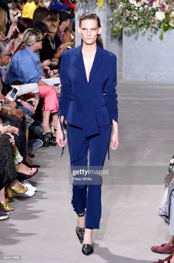 lena-hardt-walks-the-runway-at-the-jason-wu-show-during-the-new-york-picture-id844417958