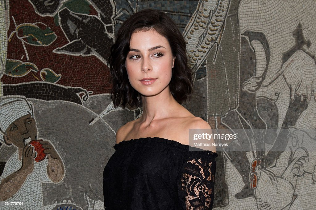 <a gi-track='captionPersonalityLinkClicked' href=/galleries/search?phrase=Lena+Meyer-Landrut+-+German+Singer&family=editorial&specificpeople=6837968 ng-click='$event.stopPropagation()'>Lena Meyer-Landrut</a> during the DKMS 25th Anniversary Gala at E-Werk on May 27, 2016 in Berlin, Germany.