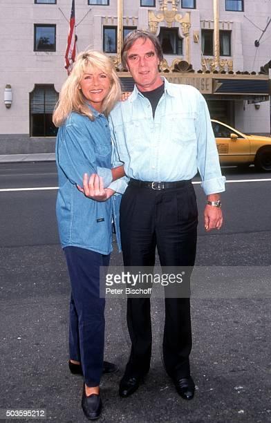 'Lena Valaitis Ehemann Horst Jüssen FamilienUrlaub am vor Hotel ''Essex House'' in Manhattan New York USA '