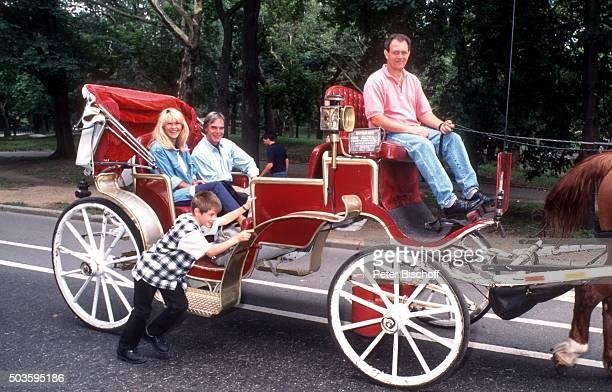 'Lena Valaitis Ehemann Horst Jüssen Sohn DonDavid Jüssen FamilienUrlaub am im Central Park in Manhattan New York USA '