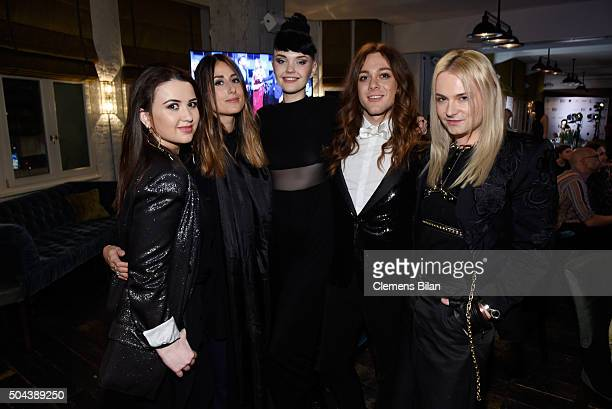 Leni Garibov Julia Haghjoo Bonnie Strange and Riccardo Simonetti and Jack Strify attend E Red Carpet Influencer Suite promoting 'Live from the Red...