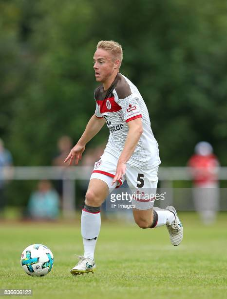 Lennart Kessner of St Pauli controls the ball during the preseason friendly match between VfB Oldenburg and FC St Pauli on July 8 2017 in Varel...
