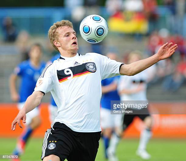 Lennart Thy of Germany plays with the ball during the Uefa U17 European Championship between Germany and Italy at the Paul Greifzu stadium on May 15...