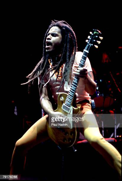 Lenny Kravitz on 6/7/96 in Chicago Il